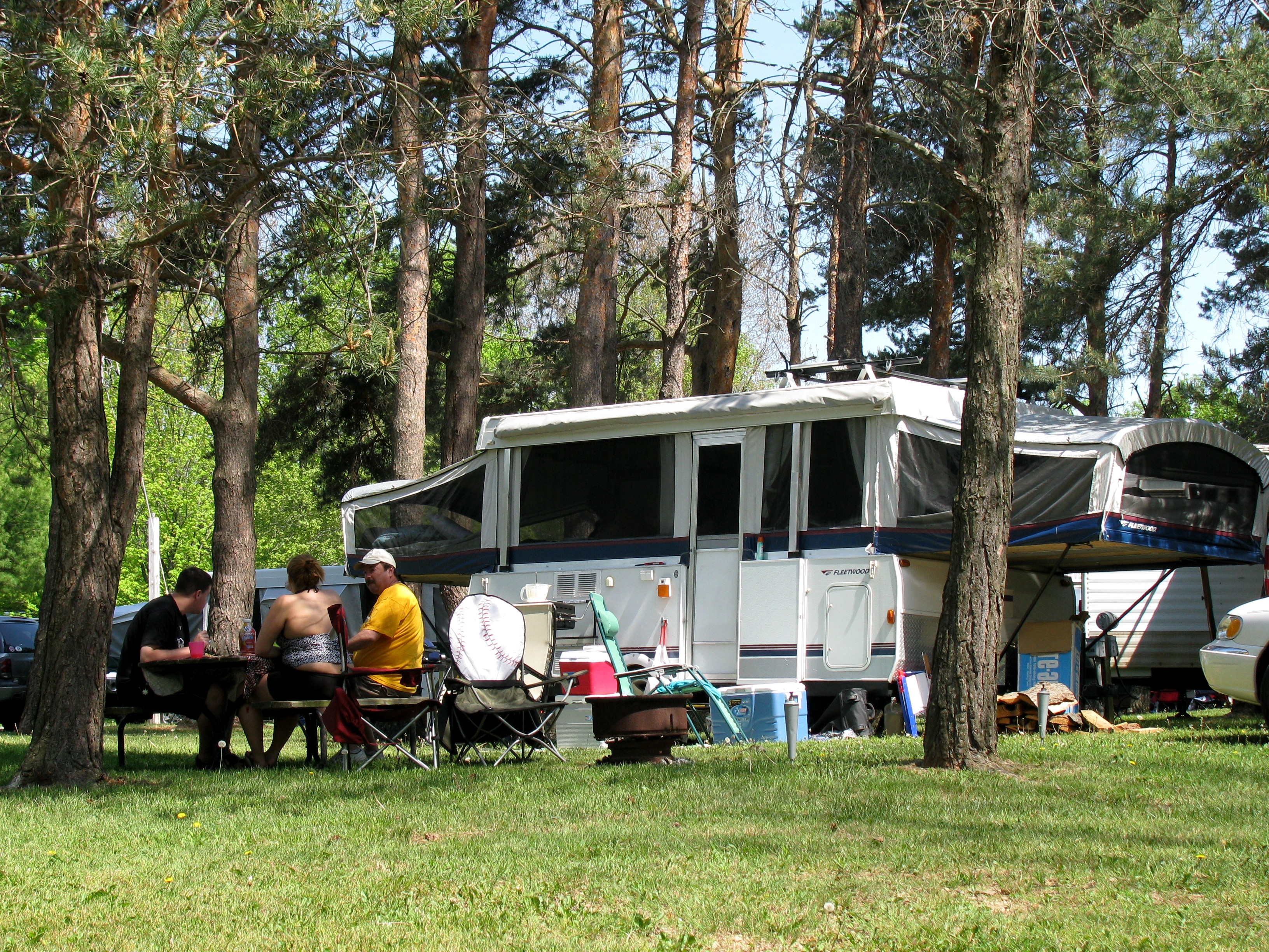 Full hookup campgrounds near me