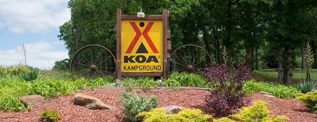 Choctaw oklahoma campground oklahoma city east koa for Camping cabins in oklahoma