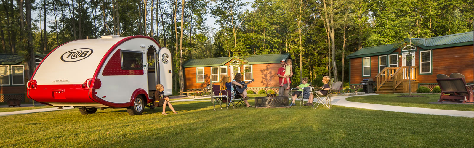 If you want even more comforts from home reserve Deluxe Cabins for your group. Most deluxe cabins feature kitchenettes along with gas grills and fire pits