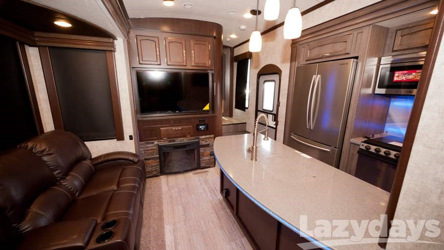 Charmant Generally Offering More Living Space Than Other Classes, Fifth Wheels Mean  More Kitchen Space Perfect For Foodies On The Road.