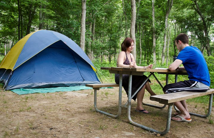Buy a fast set-up tent Tent-tossing is the national pastime of the frustrated c&er if youu0027ve spent time in the great outdoors we bet youu0027ve had the ... & How To Set Up A Tent Fast | KOA Camping Blog