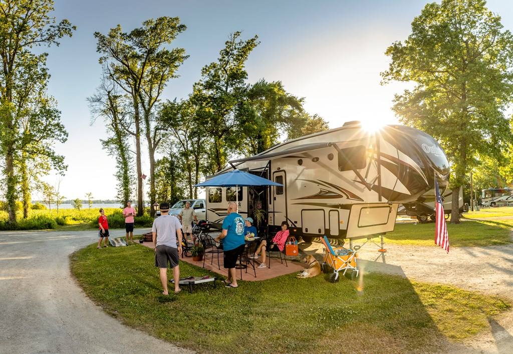 Resolve to Share RVing with Friends