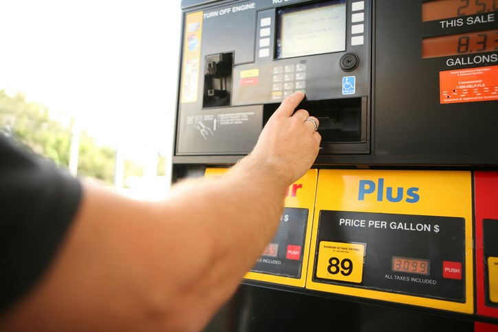 Shop Around for Fuel to Cut RV Travel Costs