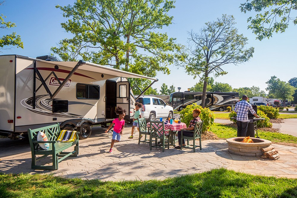 Types of RV Awnings & How to Choose the Best Awning for Your RV
