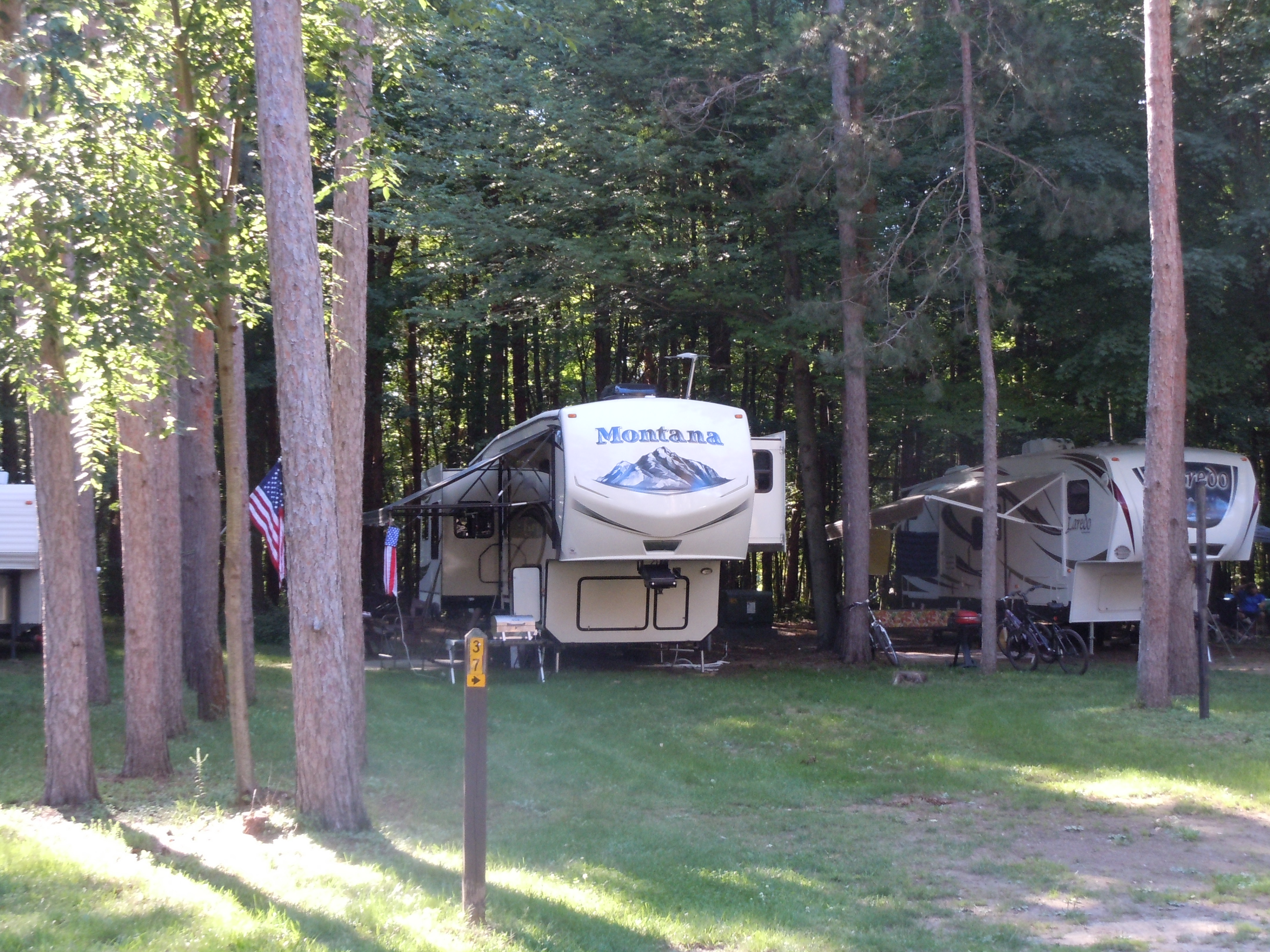 Full hookup campgrounds in west michigan