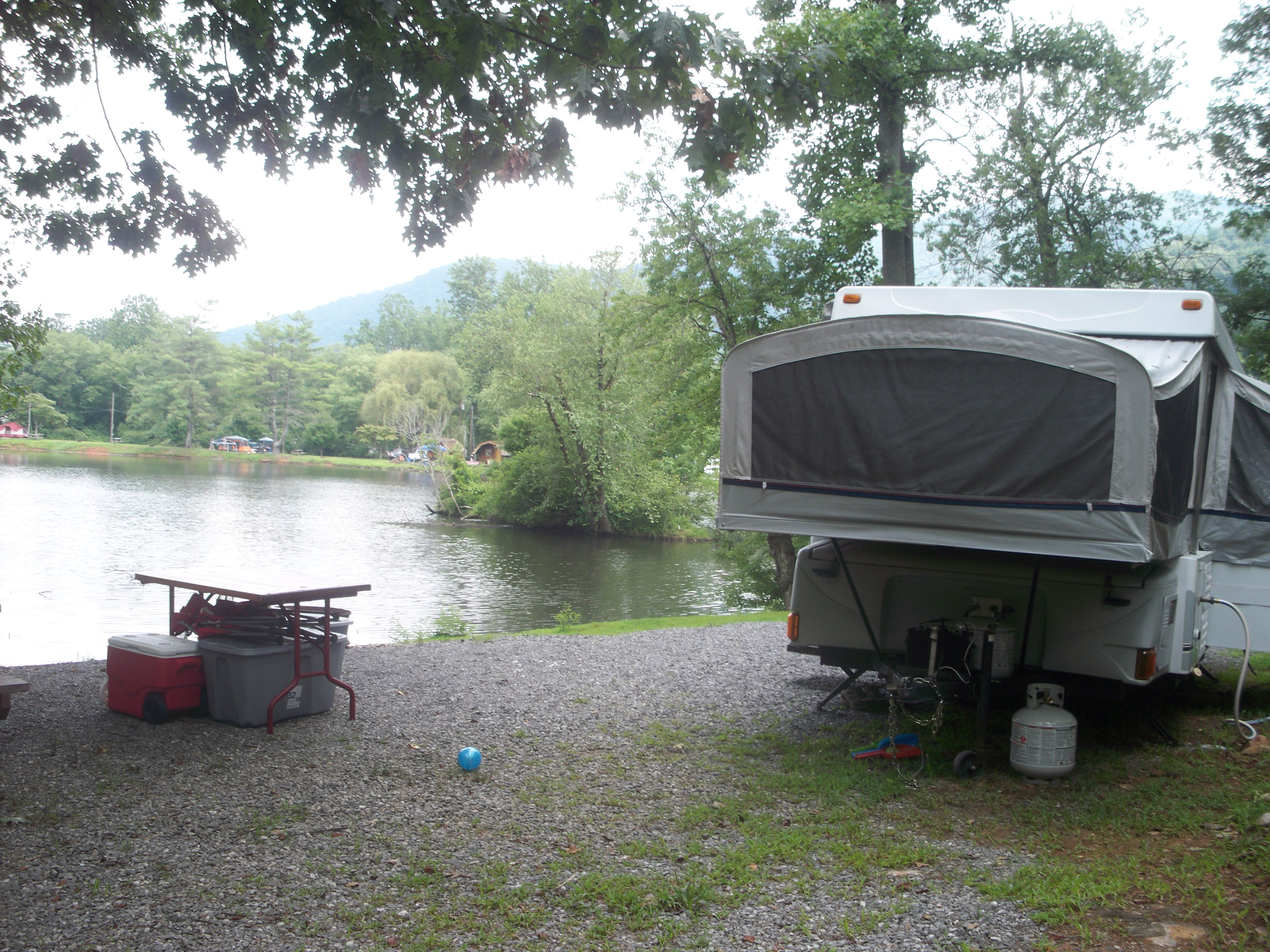 Full hookup campgrounds near asheville nc