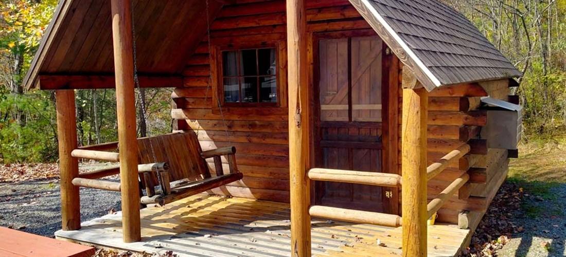 Romantic Tree House Cabin near Asheville, North Carolina