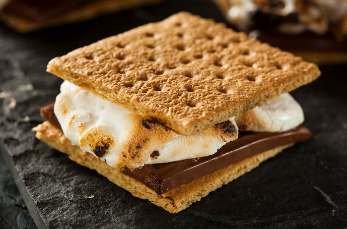 GET MORE FROM YOUR S'MORES WITH THESE FUN S'MORES IDEAS