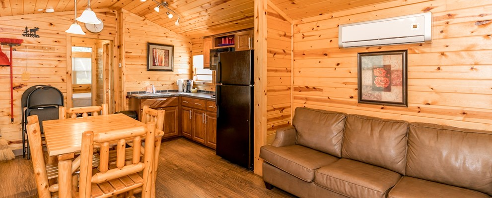 Deluxe Cabin, Lodge. Full Kitchen.