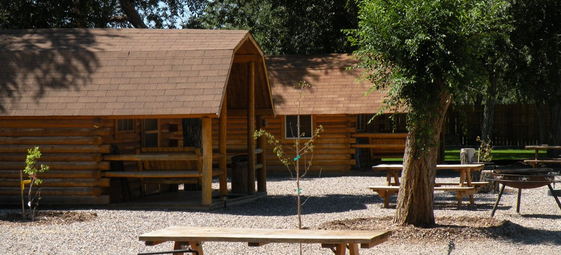 Single cabins have picnic tables and bbq/firepits.