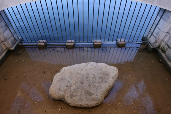 Pilgrim Memorial State Park (Plymouth Rock)