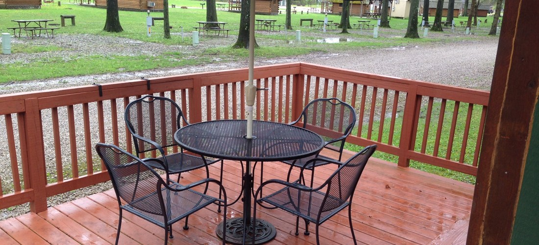 Outdoor Dining Area and Deck area