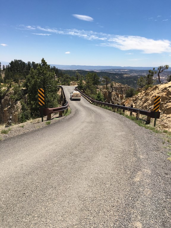 Scenic Drives in the Bryce Canyon Area