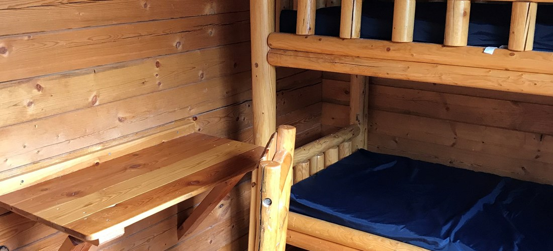 2 Room Rustic Camper Cabin Bunk Room Hosts 2 Sets of Bunk Beds