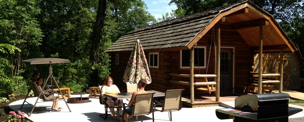 Deluxe Handicap Accessable Cabin (with patio, propane gas grill, bathroom and kitchen)