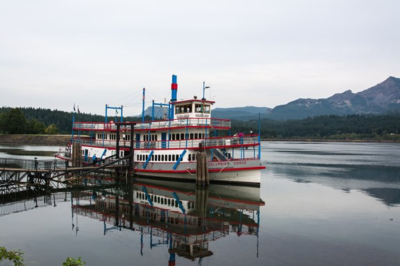 Sternwheeler Cruises on the Columbia River