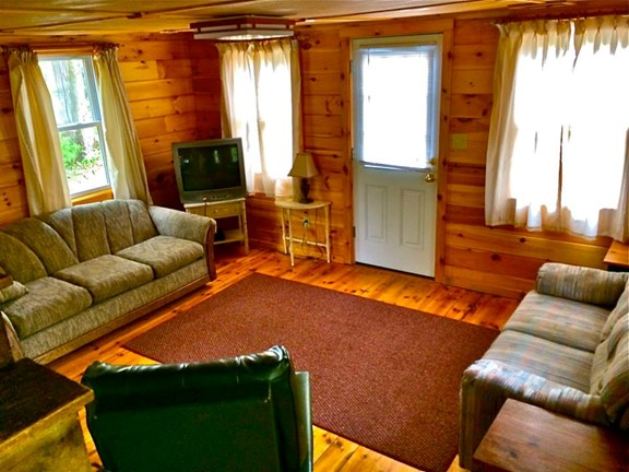 Look to the Mnt Cabin Living Room
