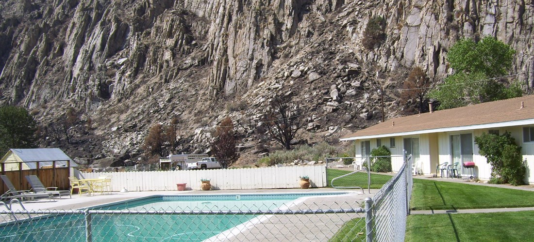 Lodge, pool and cliff