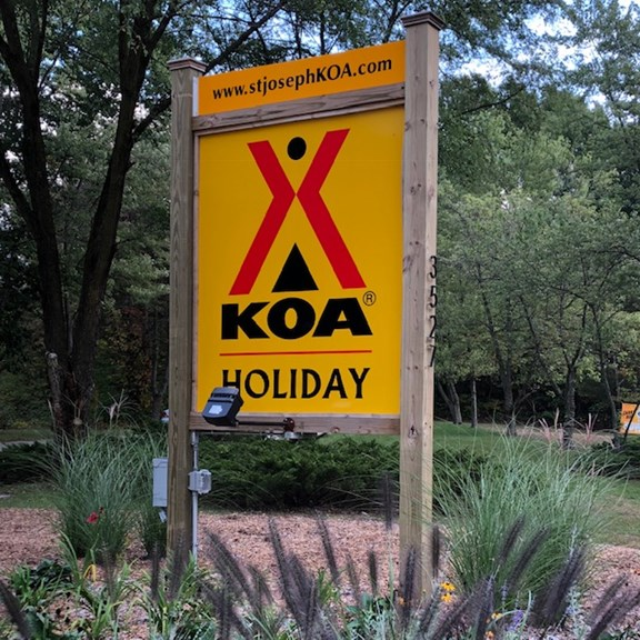 Welcome to the Coloma/St. Joseph KOA Holiday!