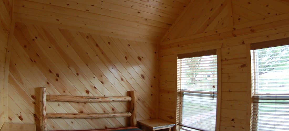 Private Bedroom w/Queen log bed
