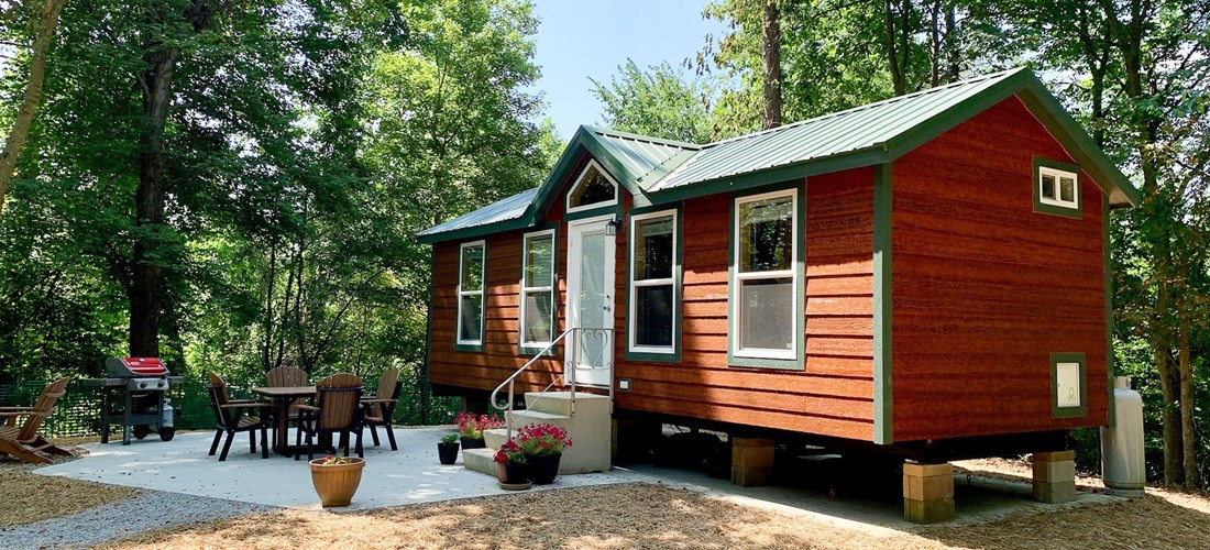 Deluxe Cabin with KOA Patio in the woodland