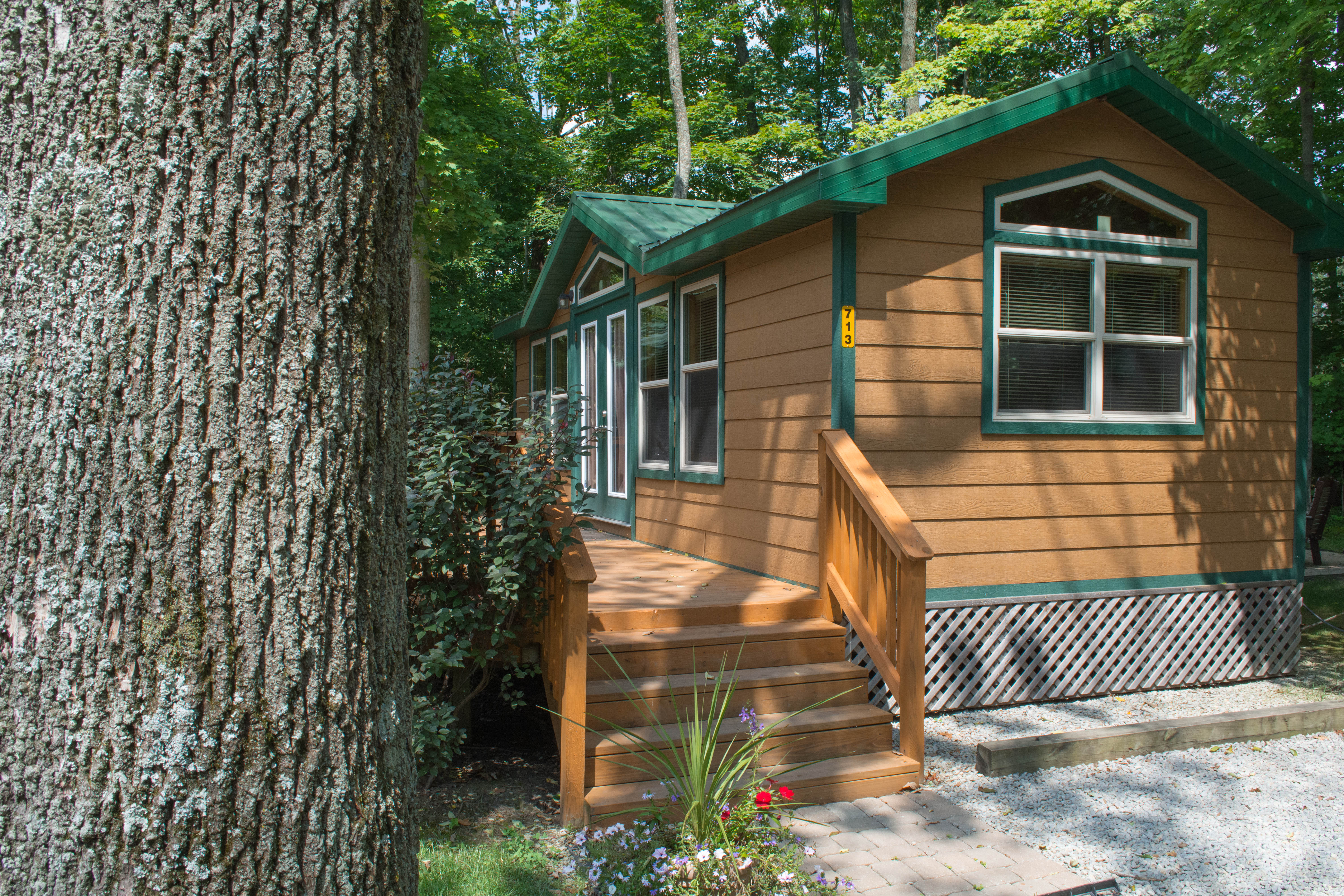 cabins family ohio deluxe pin retreat at long s resort latham in