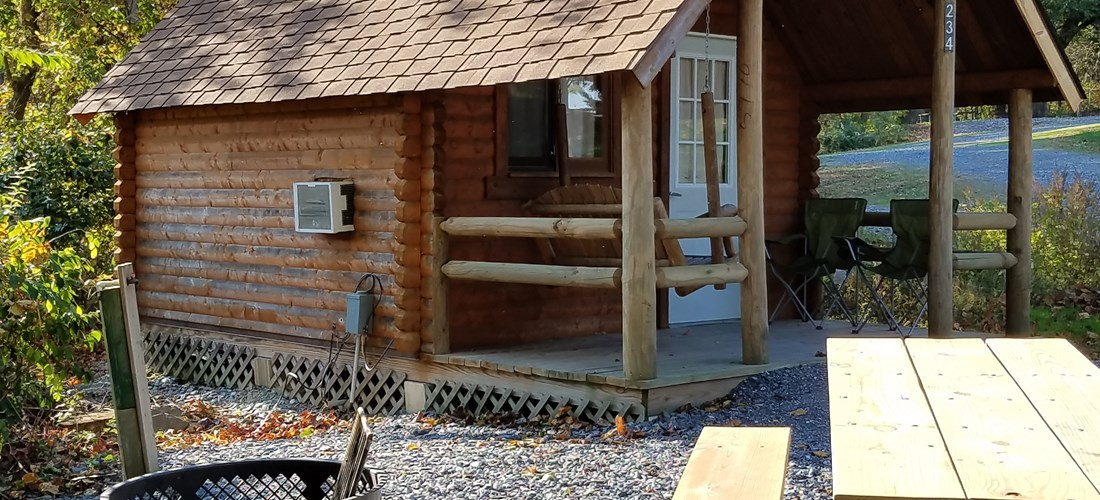 1 ROOM CAMPING CABIN (W/O BATHROOM) Handicapped Friendly