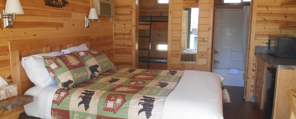 Deluxe Cabin with our new linens