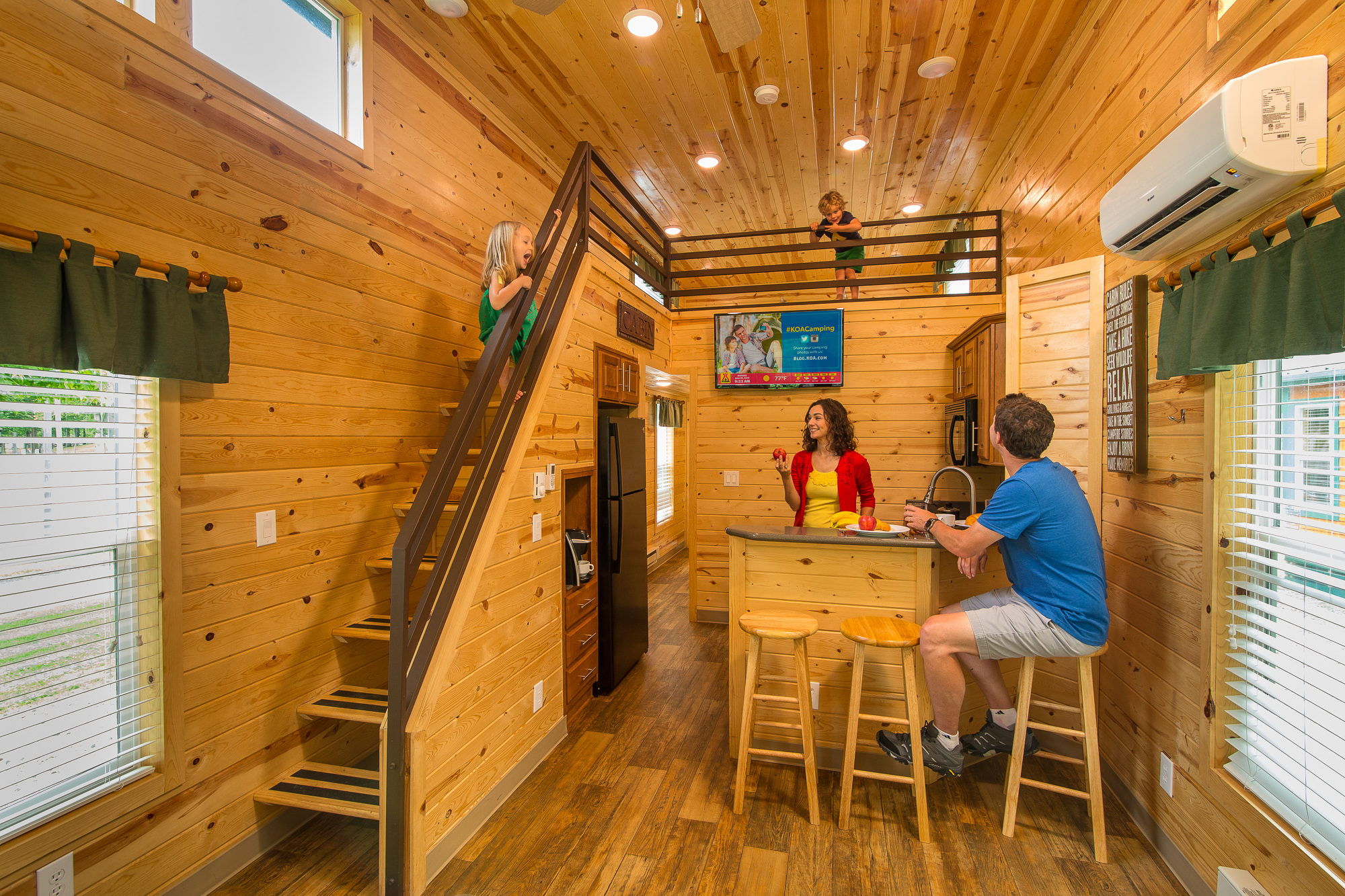 in rentals vacation hot cabin log flagstaff with tub az cabins