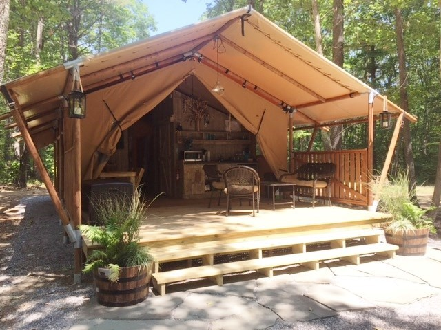 GLAMPING TENT with bathroom and shower