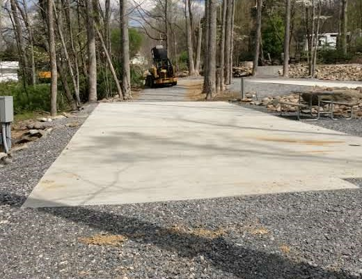 Pull in with full concrete pad