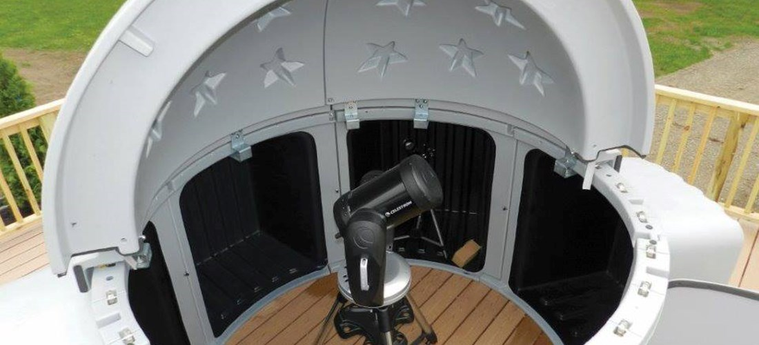 Astronomy Lodge pod with telescope