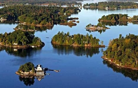 Boat tours to the 1000 Islands