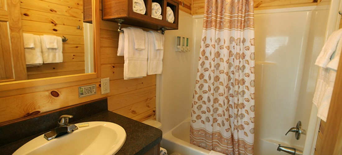 Full Bathroom w/ shower and toiletries
