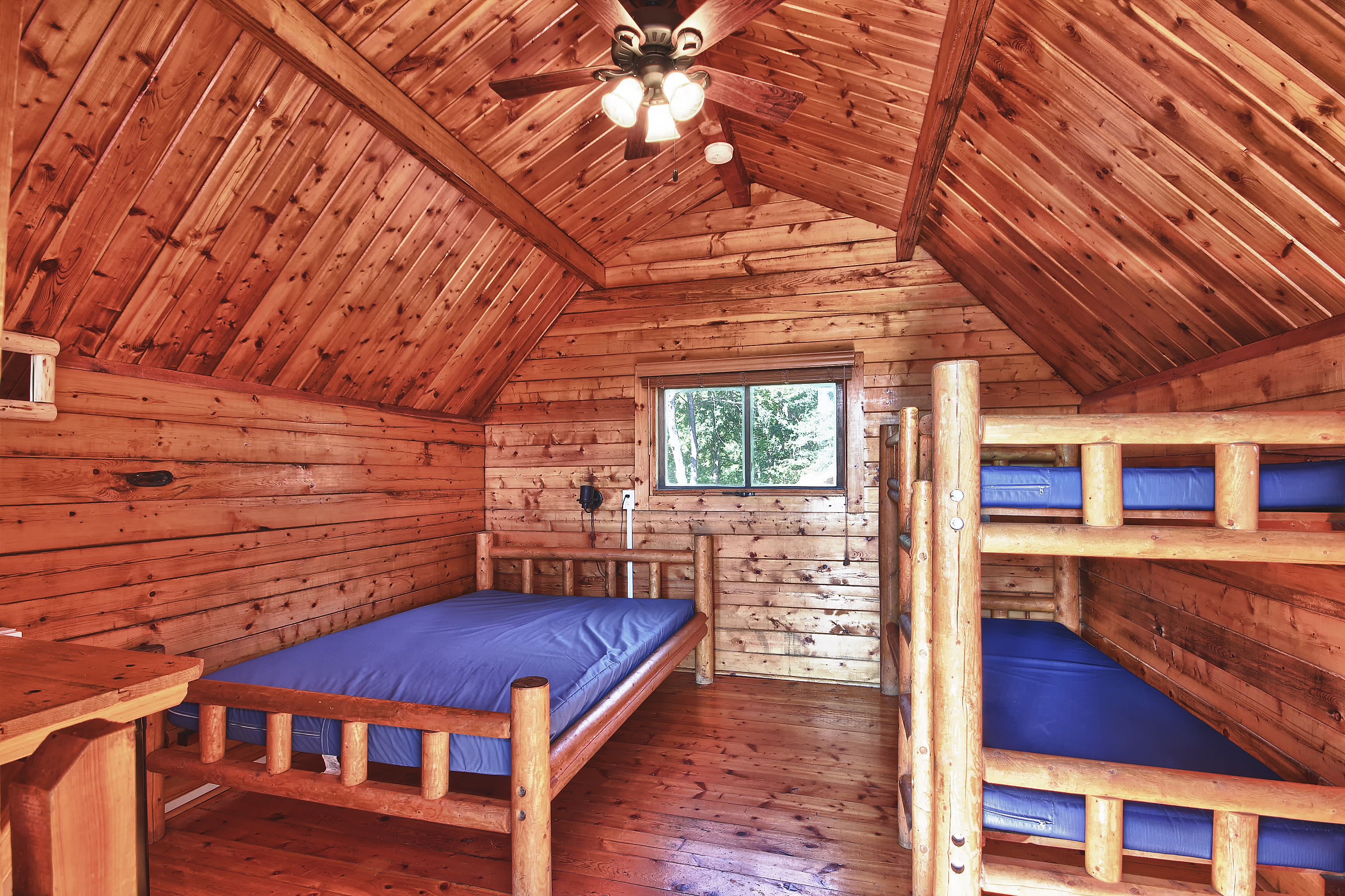 property hocking hills hawks peak s vacation rental in redawning ohio hawk cabins