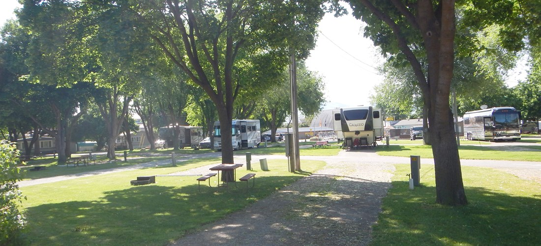 RV Site Deluxe with extra parking