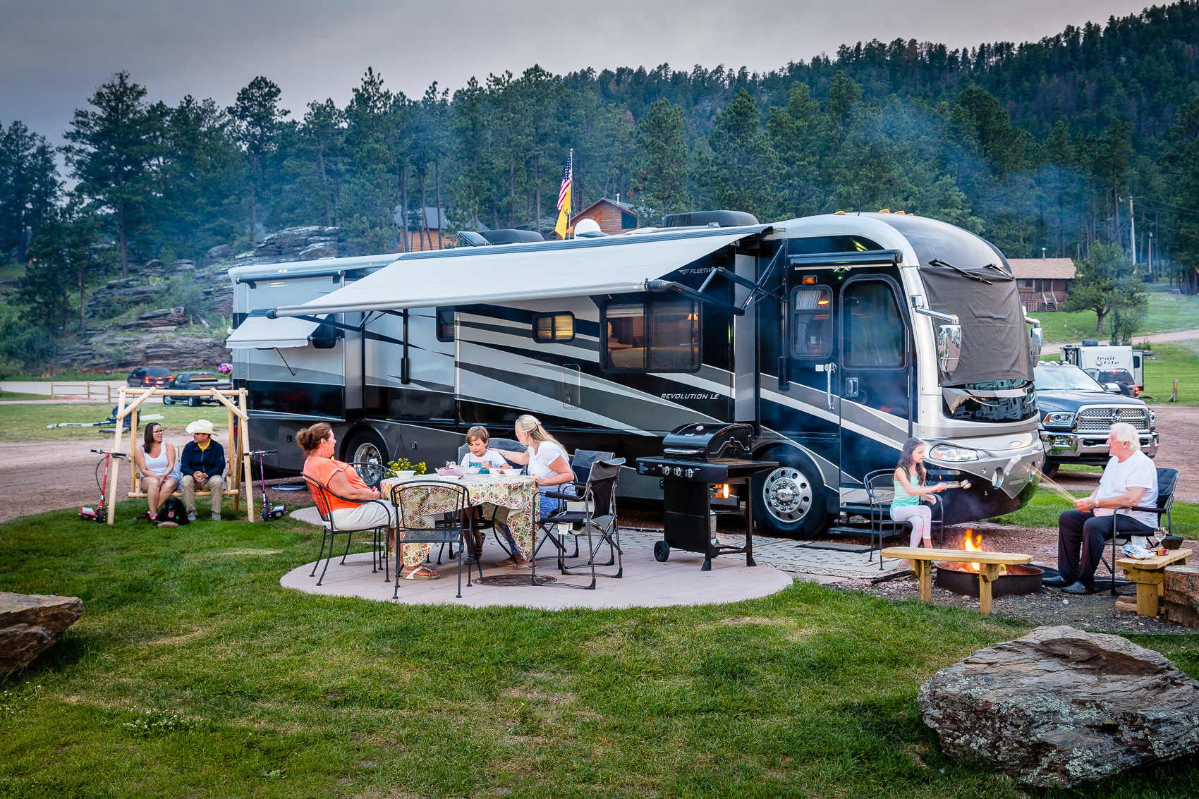 full hookup campgrounds near mt rushmore