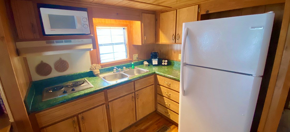 Deluxe Waterfront (6 People) Kitchen