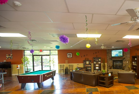 Billiards, Checkers & Games - Main Lounge