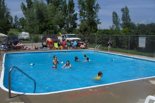 The Newton KOA swimming pool.