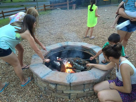 Group Campfires & S'mores