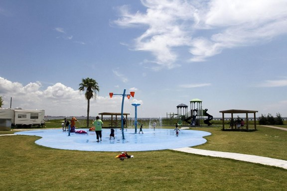 Splashpad At Lighthouse Beach