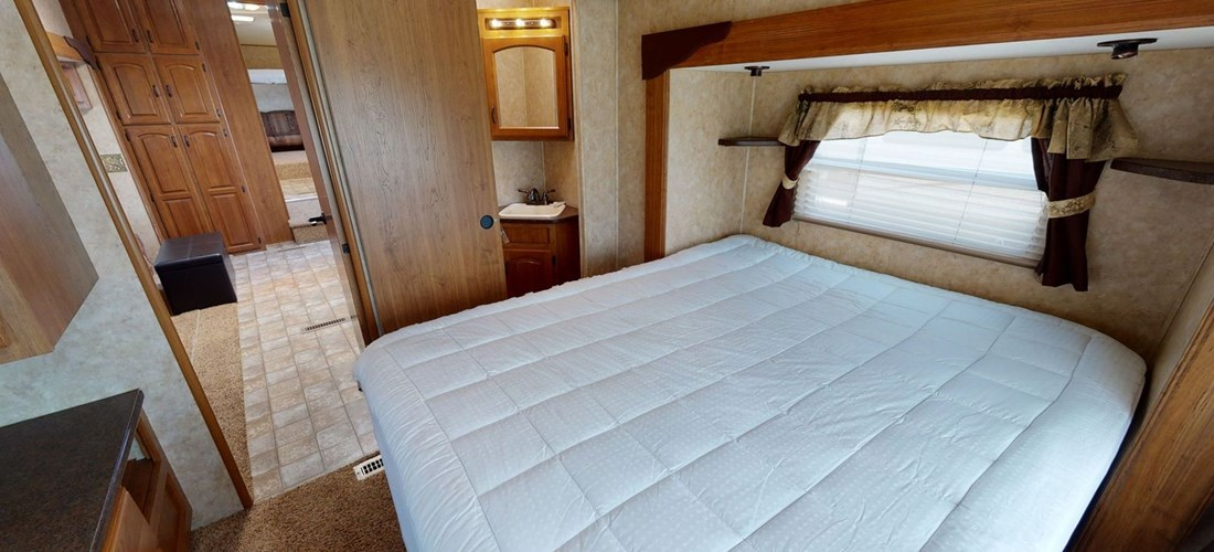 Main bedroom with King bed in Rental RV