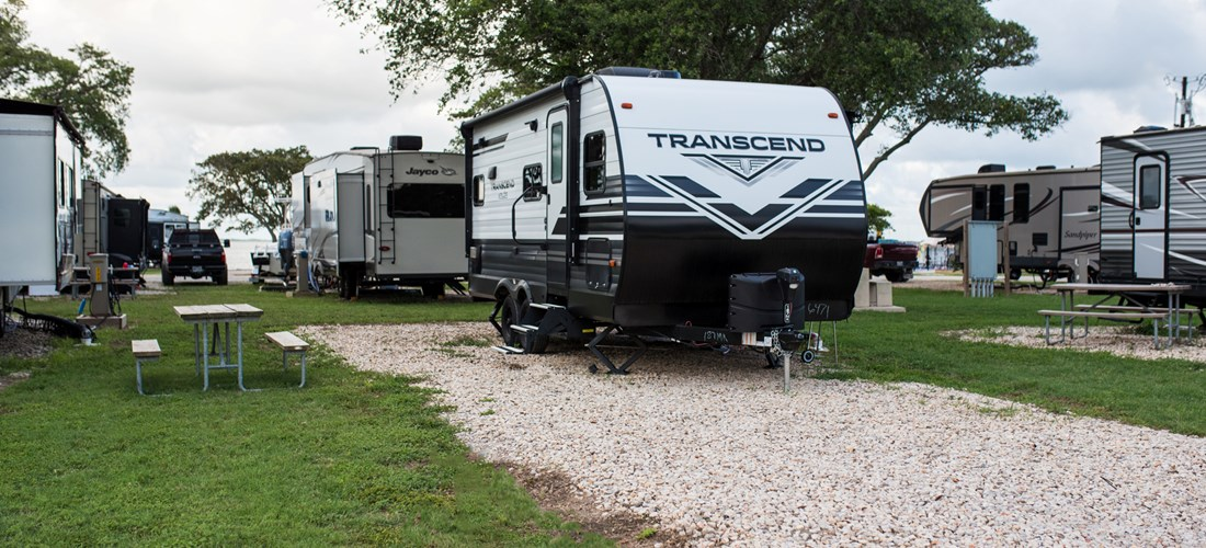 This site is perfect for dual use. It can accommodate tent and RV