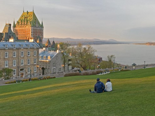 battlefield and Chateau Frontenac