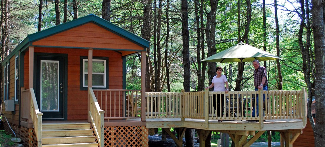 Beautiful Deluxe Cabin Patio Site