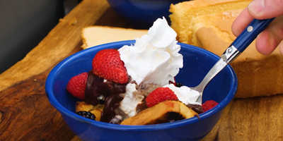 GRILLED POUND CAKE SUNDAES | CAMPING RECIPES