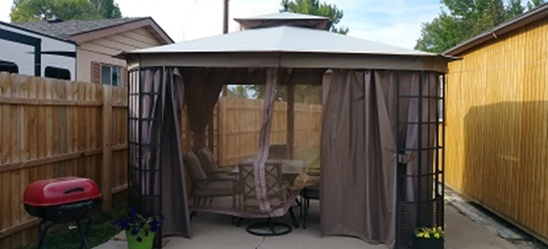Deluxe Cabin covered patio