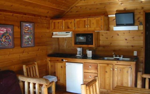 Inside view, deluxe cabin KOA-27, front door