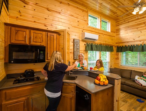 Fall Deluxe Cabins - Save $25/night Photo